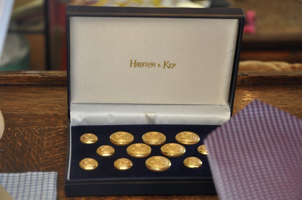 Des boutons de blazer Hilditch & Key