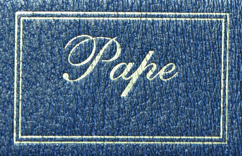 L'enseigne du tailleur Pape