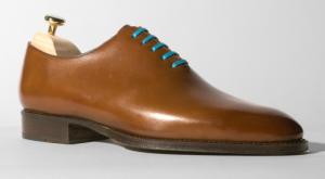 Chaussures One Cut de la marque Septieme largueur avec des lacets couleur turquoise