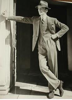 Le délicieux Fred Astaire surmonté d'un chapeau