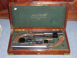 Une paire de pistolets pour défendre son honneur à l