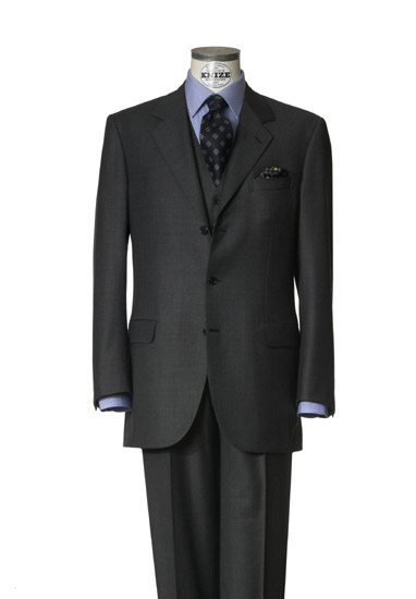 Un costume trois pièces en grande mesure réalisé par Knize