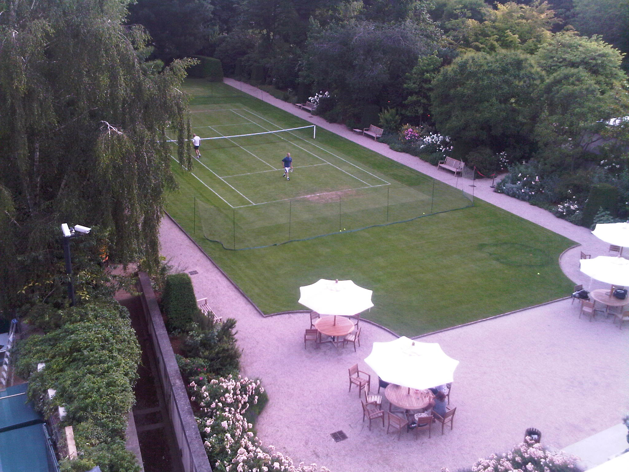 tennis-gazon-ambassade-angleterre-paris