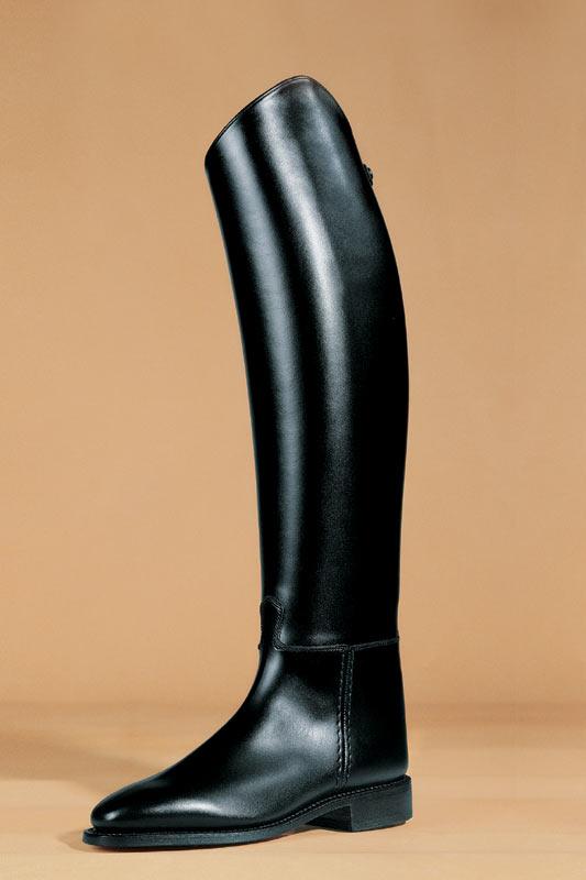 Un superbe botte de cuir en box-calf, d'aspect très lisse
