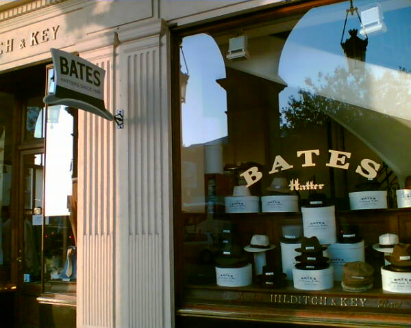 Bates chez Hilditch & Key rue de Rivol à Paris