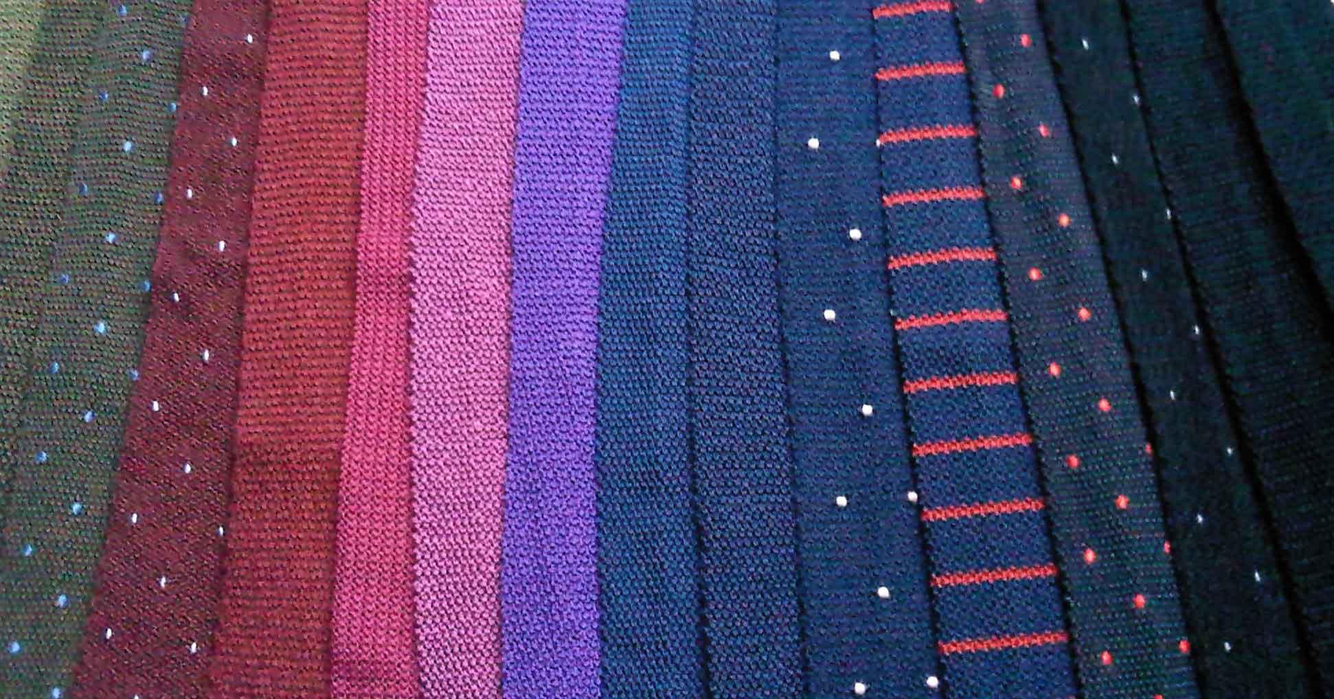Fabuleux La cravate en tricot de soie ou le retour des barbouzes – Mes  VM05