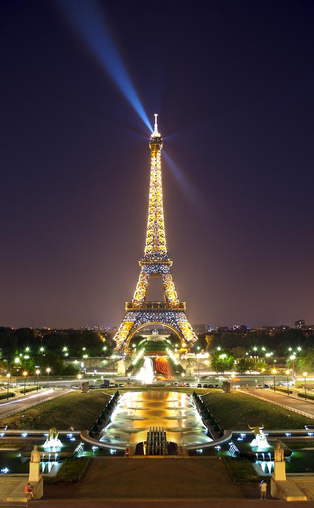 La nuit et l'aube restent des moments privilégiés pour découvrir certains lieux sans touriste.
