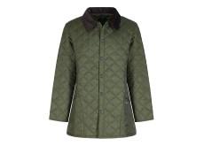Un joli sablier signé B… Peu importe la coupe ou le fabricant, une veste matelassée en tissu synthétique supportera les projections les plus inattendues, les nettoyages les plus rustiques.
